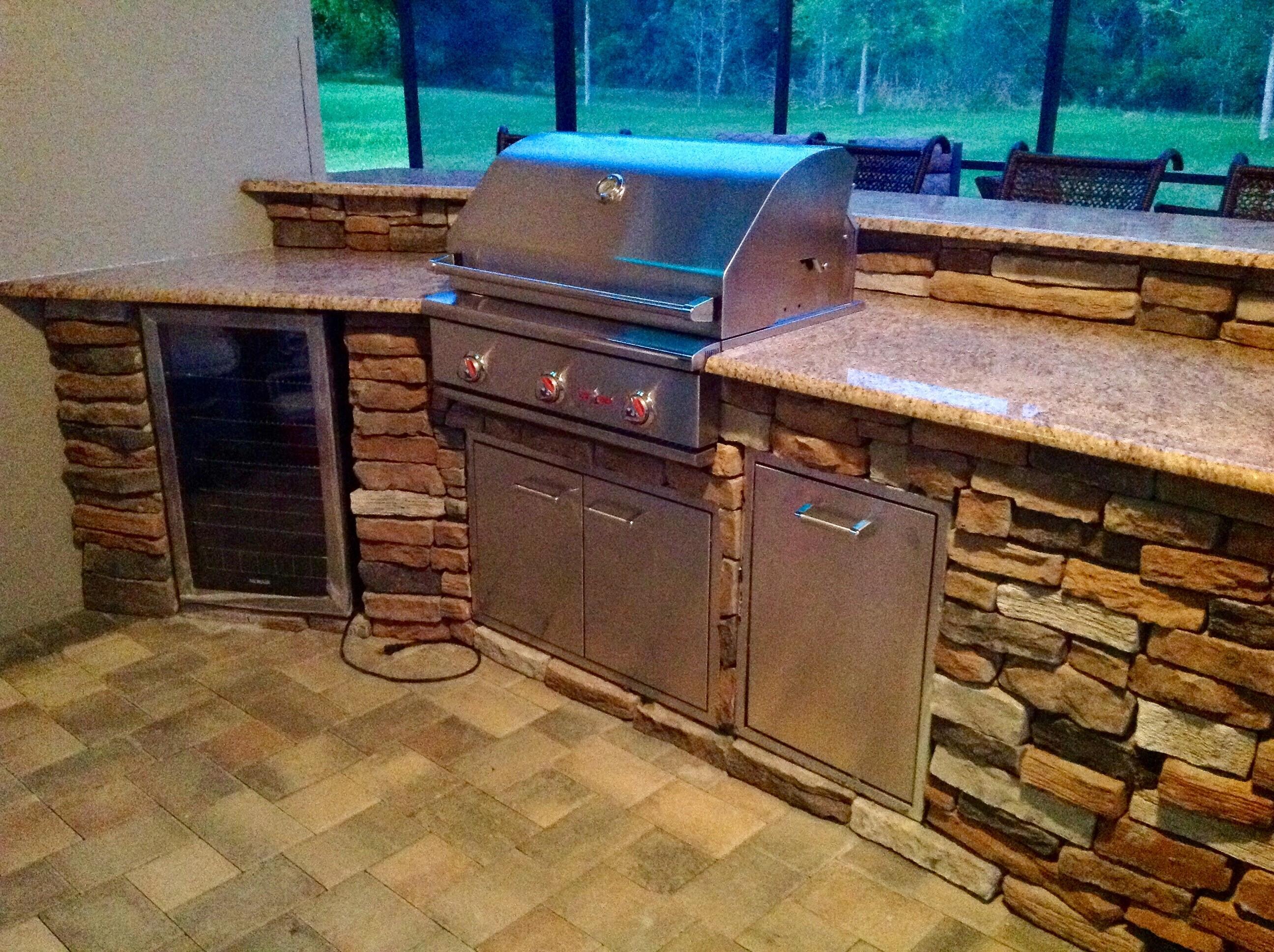 outdoor-kitchen-pavers - Orlando Pavers and Pergolas
