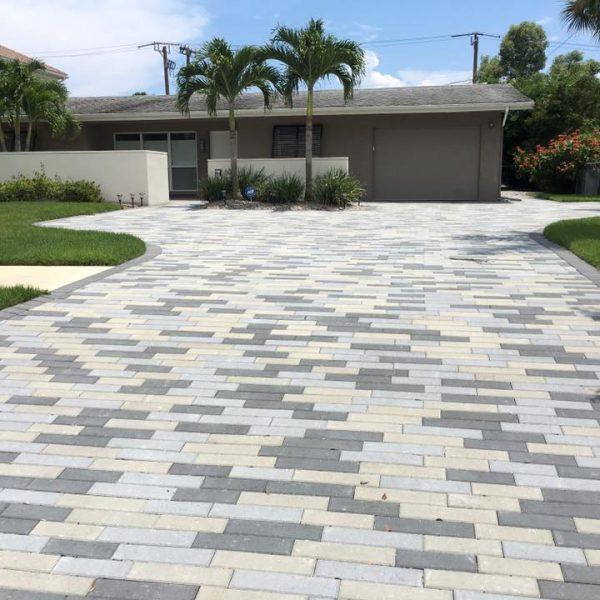 beautiful stone paved driveway in florida